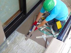 バルコニー床塩ビ防滑シート貼り防水工事の工程2