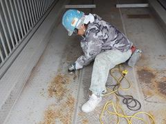 機械式駐車場パレット補修塗装の工程1