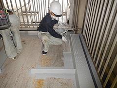 機械式駐車場パレット補修塗装の工程2