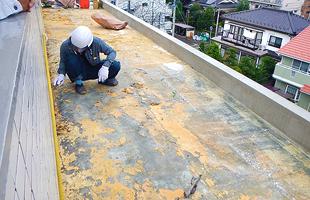 北面5階ルーフバルコニー平場下地補修