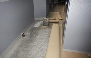 共用廊下 塩ビ防滑シート貼り