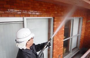 外壁・軒天部の高圧洗浄