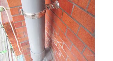 塩ビ製縦樋の交換