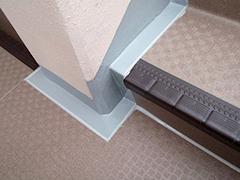 RC避難階段塩ビシート貼りの工程14