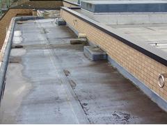 塩ビシート防水 機械固定式工法 施工の状況1