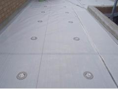 塩ビシート防水 機械固定式工法 施工の状況6