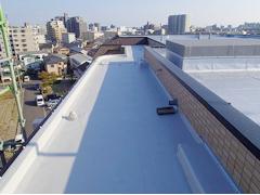 塩ビシート防水 機械固定式工法 施工の状況10