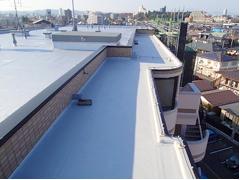 塩ビシート防水 機械固定式工法 施工の状況11